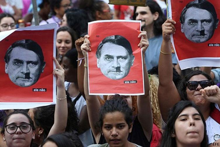 Protesta de mujeres contra Bolsonaro. / EFE