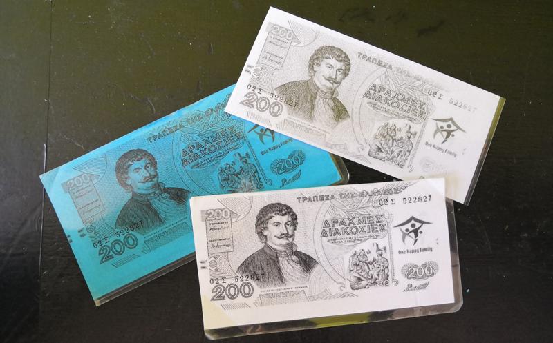 Billetes de 'Drachma', la moneda que se utiliza en el centro comunitario OHF , en Lesbos