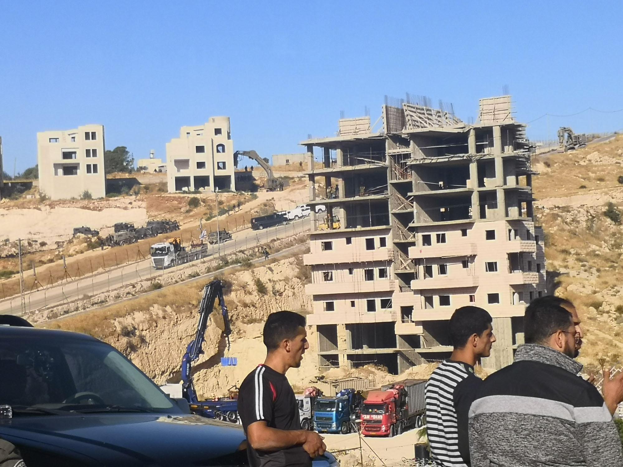 Inicio de las demoliciones en el vecindario de Wadi al- Hummus