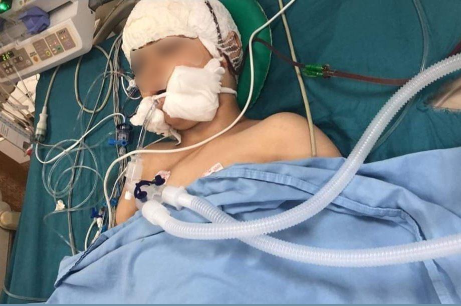 Abdul en el hospital de Nablus momentos después de ser operado.