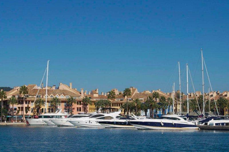Vista de la urbanización de Sotogrande. Turismo de Andalucía