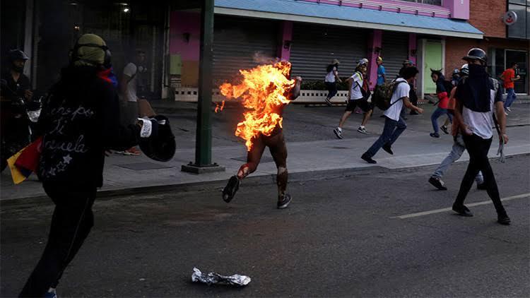 Gente que odia también en Venezuela