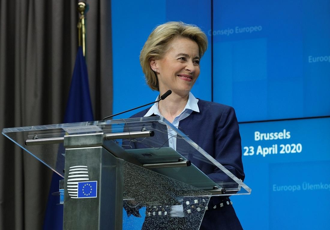 La presidenta de la Comisión Europea, Ursuela von der Leyen, en una rueda de prensa en Bruselas. REUTERS/Olivier Hoslet/Pool