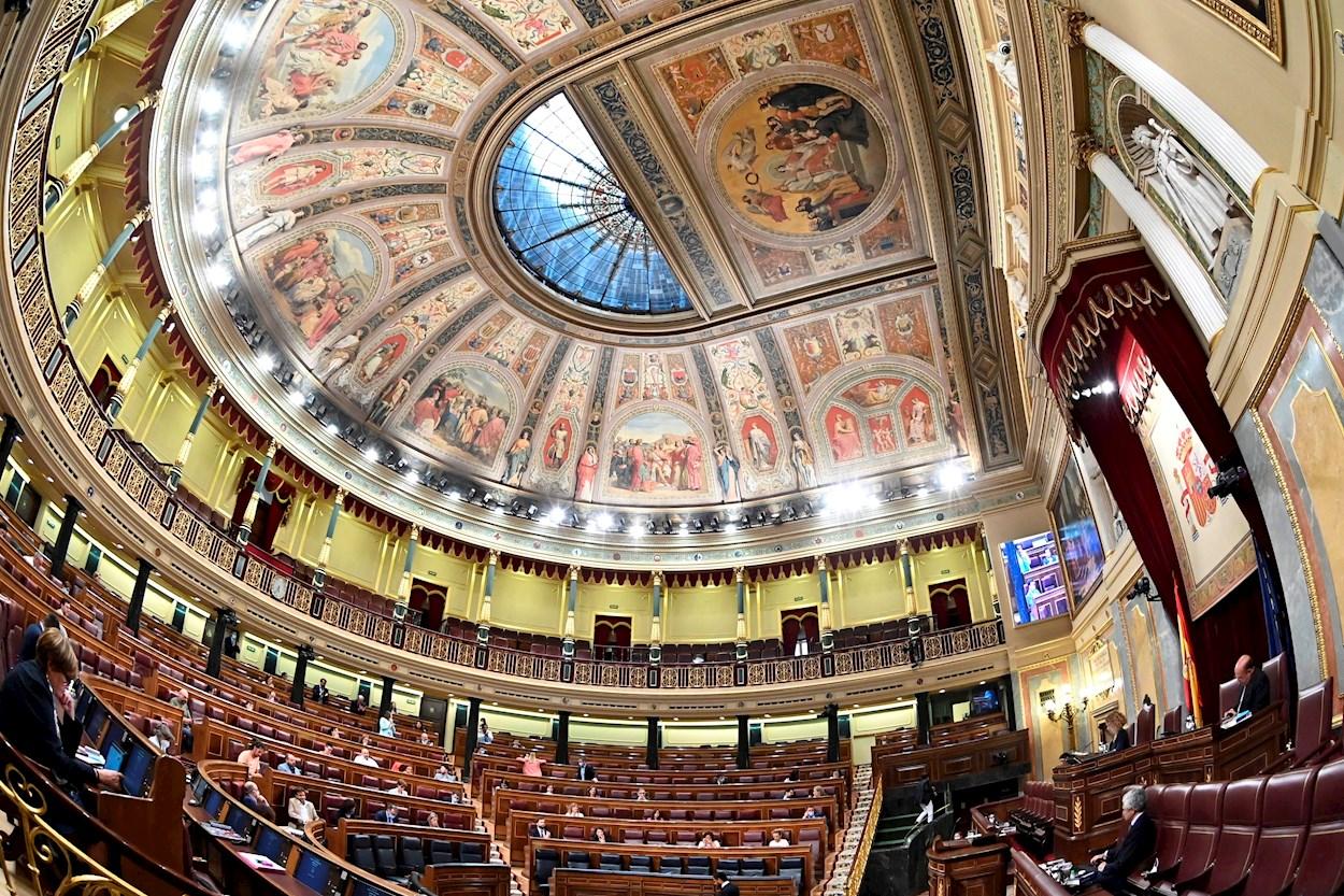 Vista general del hemiciclo durante el pleno del Congreso de los Diputados. EFE/Fernando Villar