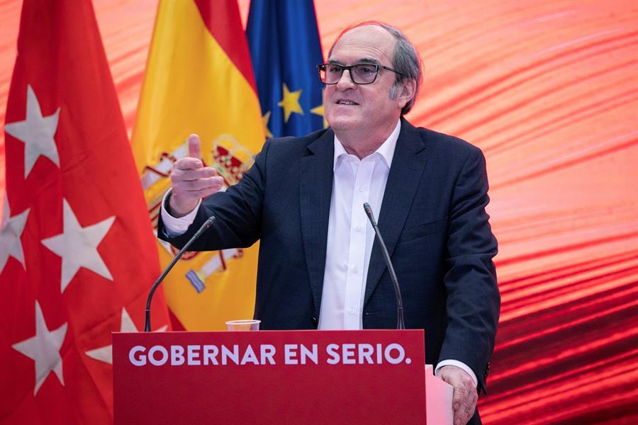 El candidato del PSOE a la Comunidad de Madrid, Ángel Gabilondo, da un discurso este sábado durante un acto de precampaña de cara a las elecciones regionales de Madrid. EFE/PSOE/Eva Ercolanese