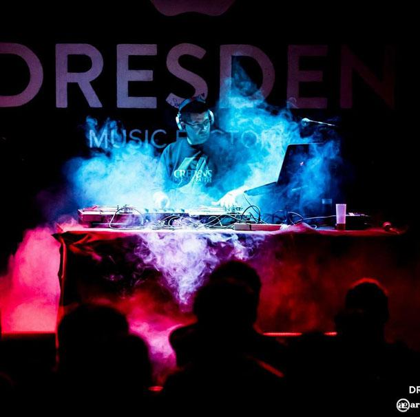 Loren D en directo. FOTO: ARTURO GAVALDÁ