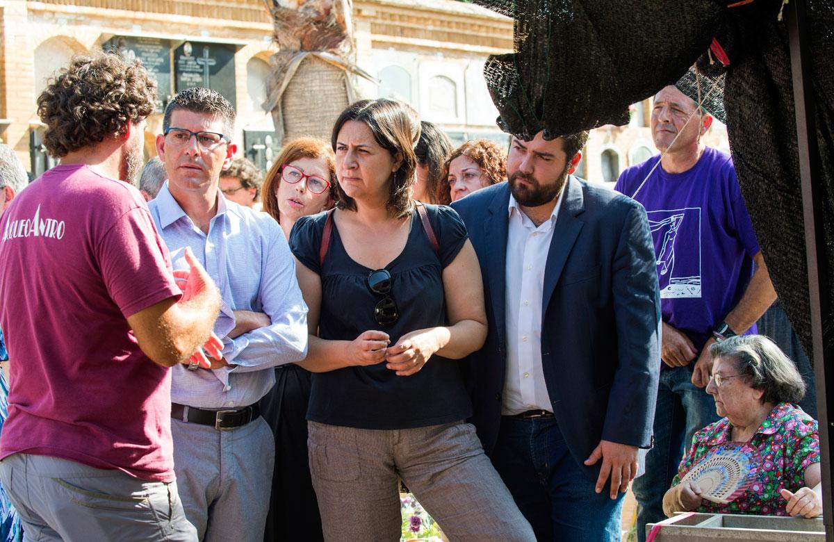 Rosa Pérez Garijo durante la exhumación de la Fosa 113 de Paterna, en 2017. FOTO: Abulaila