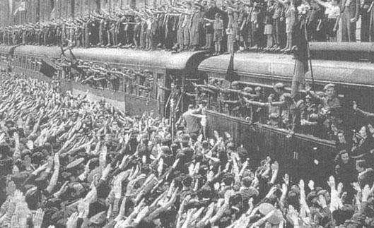 Despedida de los voluntarios de la División Azul en la Estación de Atocha