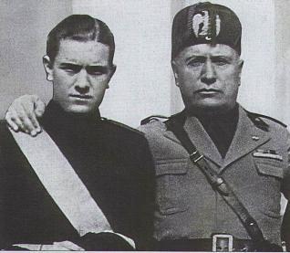 Benito musolini y su hijo