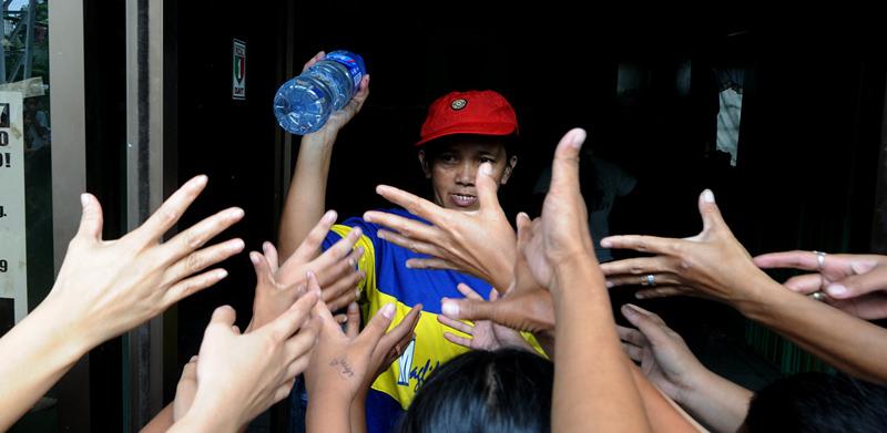1_philippines-floods-20090929-032746.jpg