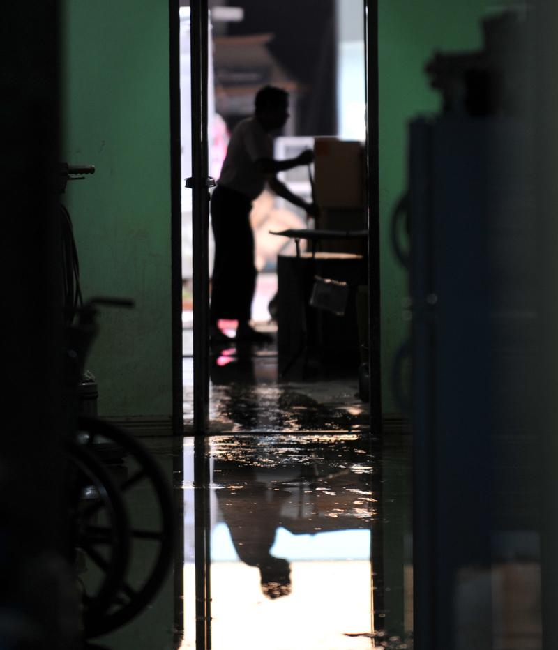 7_philippines-floods-20090929-110714.jpg