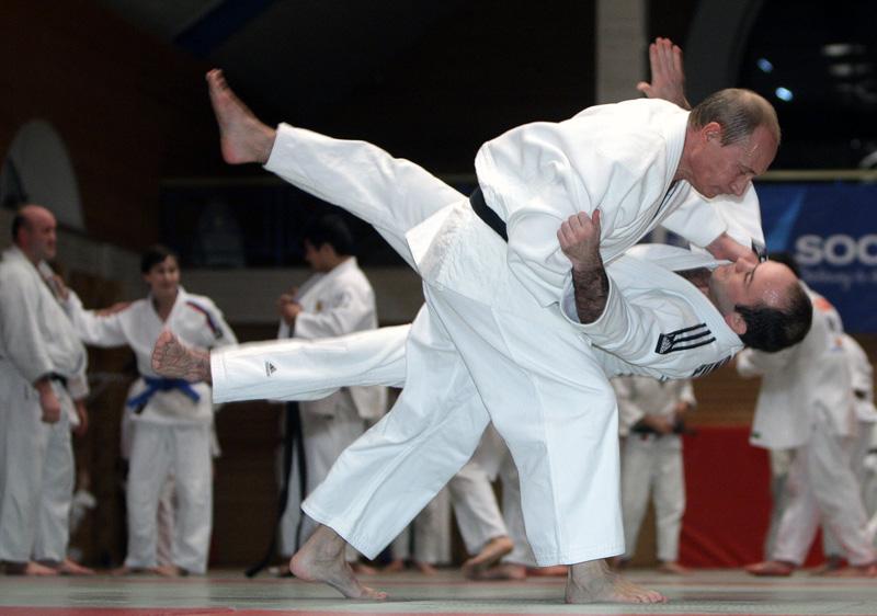 15_topshots-russia-judo-916135-01-06-20091219-160222.jpg