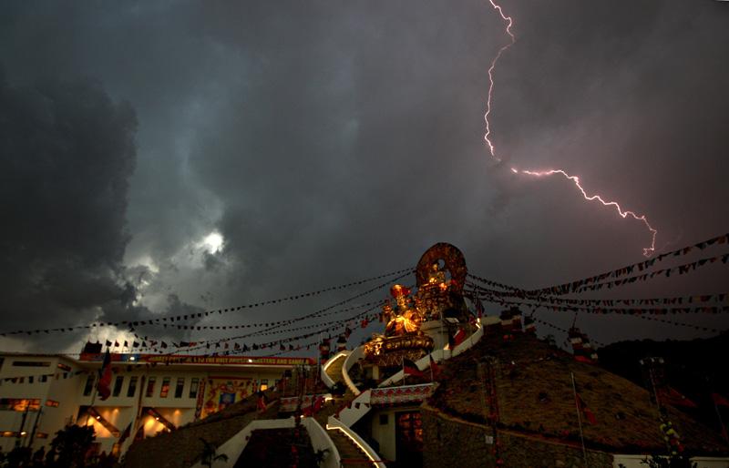 26_topshots-nepal-weath-655632-01-06-20100413-220123.jpg