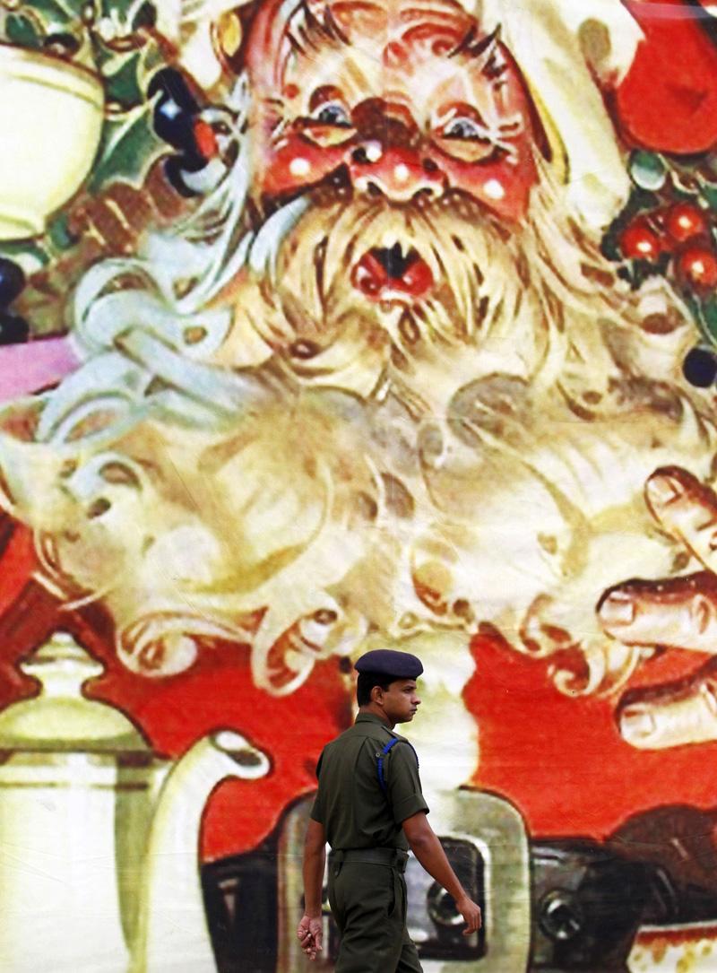 La mesa de luz » Santa Claus recorre el mundo