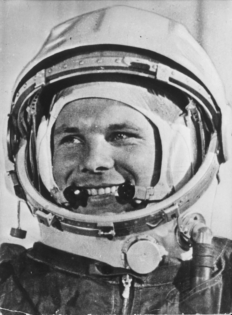 how was responsible for yuri gagarin in space flight - photo #4