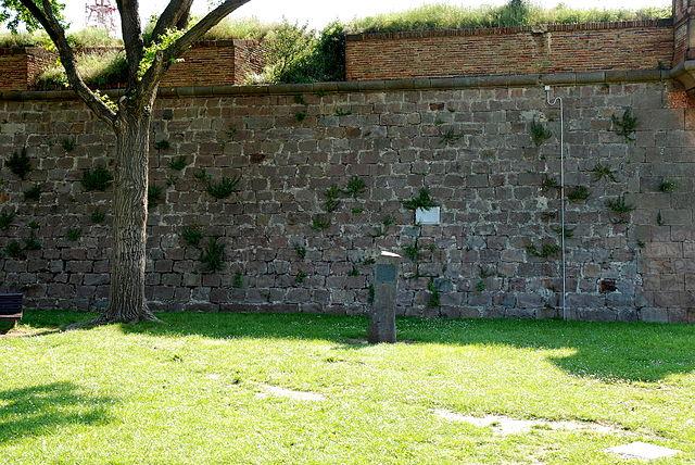 Paredón del castillo de Montjuic donde fue fusilado Companys el 15 de octubre de 1940