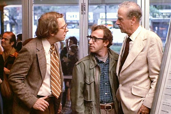 Marshall McLuham con Woody Allen en 'Annie all'