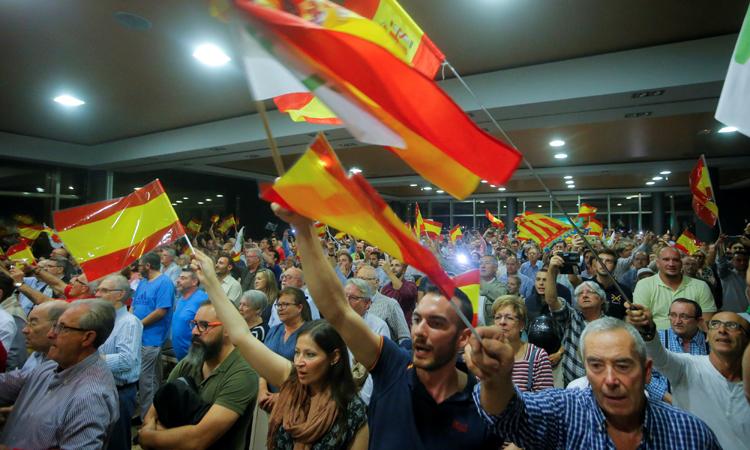 Seguidores de Vox, en un actio del partido ultraderechista en Valencia. REUTERS/Heino Kalis