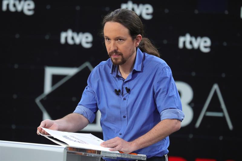 El líder de Unidas Podemos, Pablo Iglesias, antes del comienzo del primer debate a cuatro entre los principales líderes políticos en TVE. EFE/JuanJo Martín