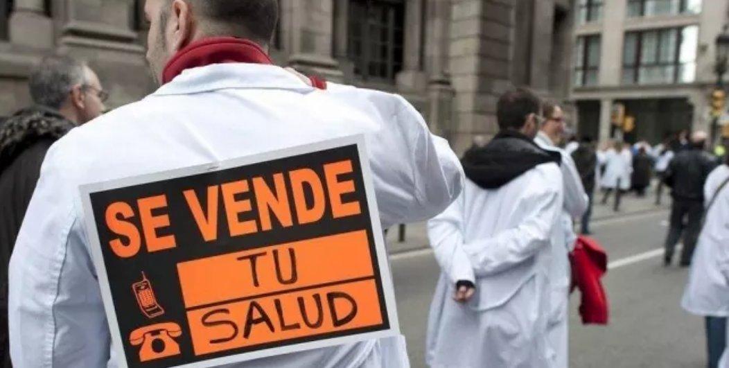 Una manifestación en defensa de la sanidad pública en Madrid . EFE