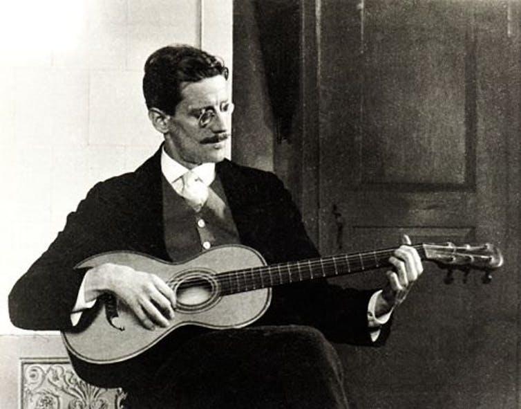 James Joyce en 1915. C. Ruf / Wikimedia Commons
