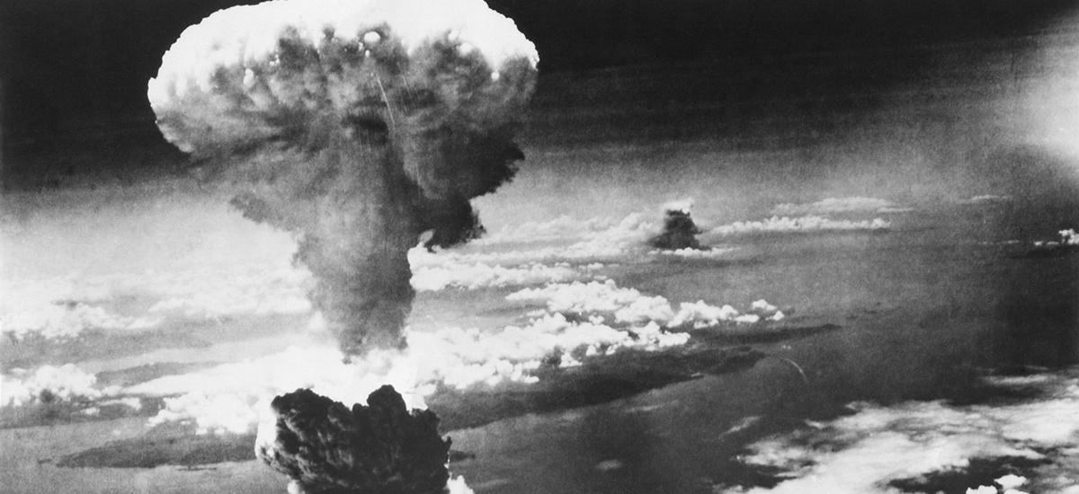 Hongo nuclear provocado por la bomba lanzada en Nagasaki (Japón). EverettHIstorical/hutterstock