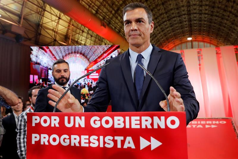 El presidente del Gobierno en funciones y secretario general del PSOE, durante la presentación de propuesta con 370 medidas para su investidura.EFE/Chema Moya