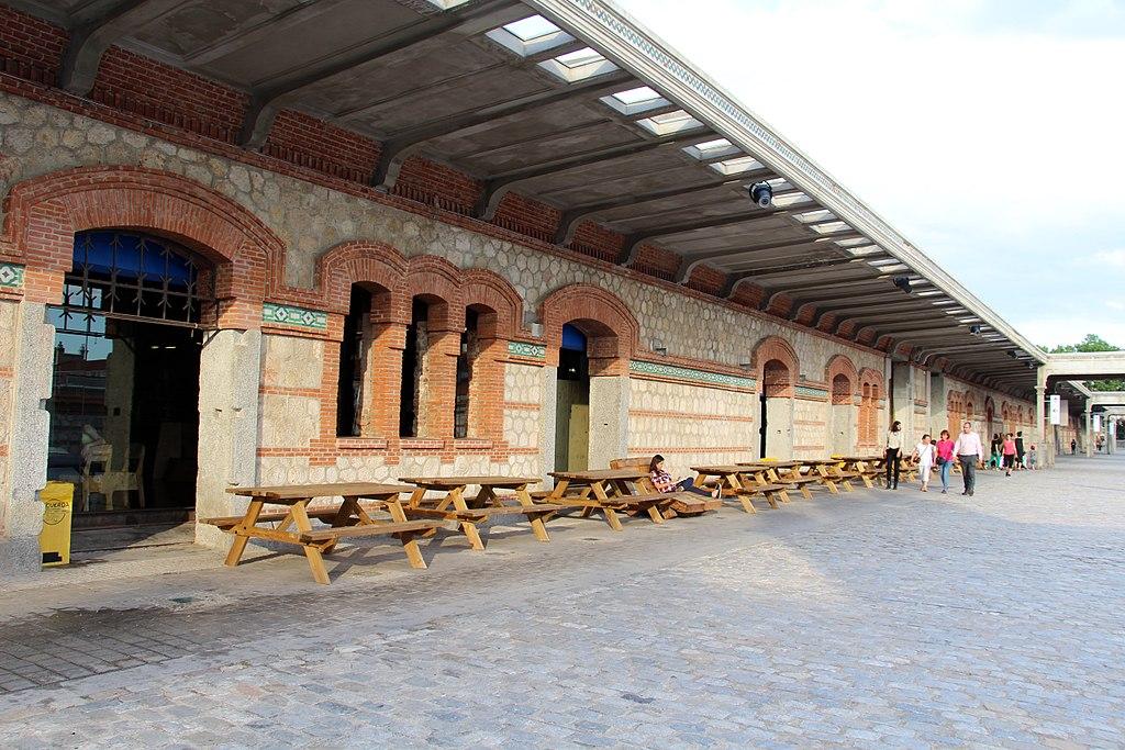 Matadero Madrid, ejemplo de reconversión de un espacio industrial en artístico. Matadero Madrid / Wikimedia Commons, CC BY-SA