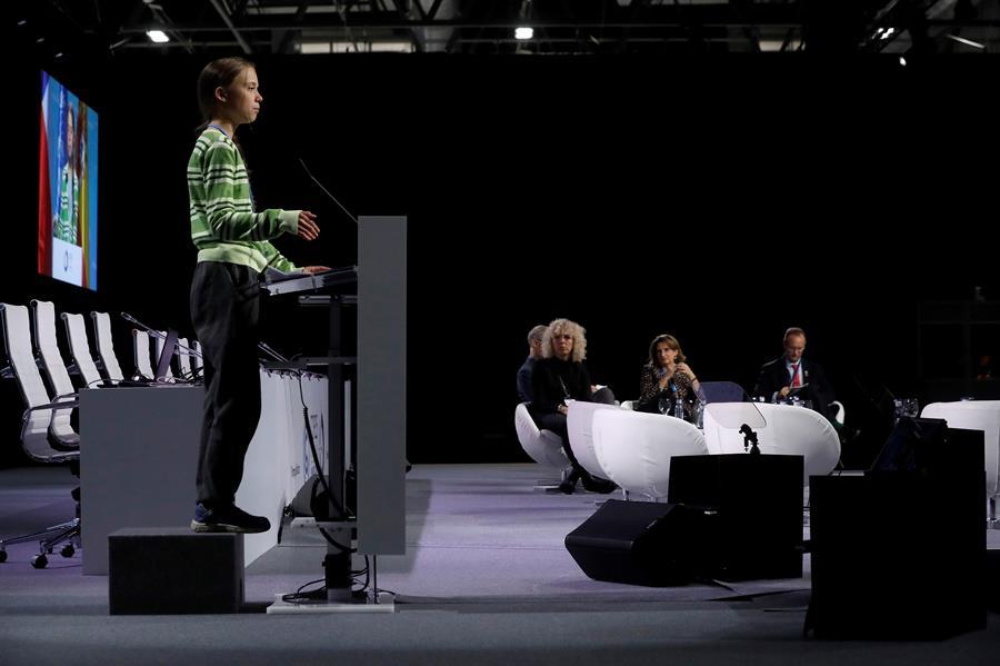La activista sueca Greta Thunberg interviene durante el plenario de la Cumbre Climática, en Madrid. EFE/J.J. Guillén