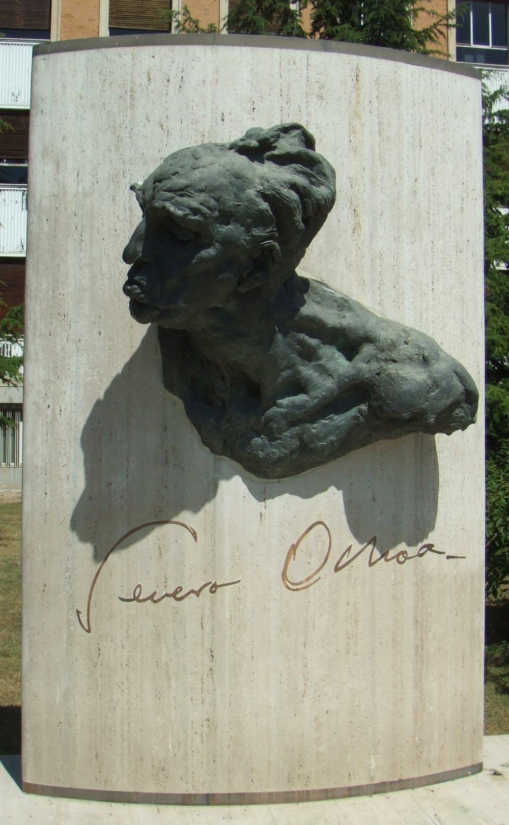 Monumento a Severo Ochoa. Wikipedia