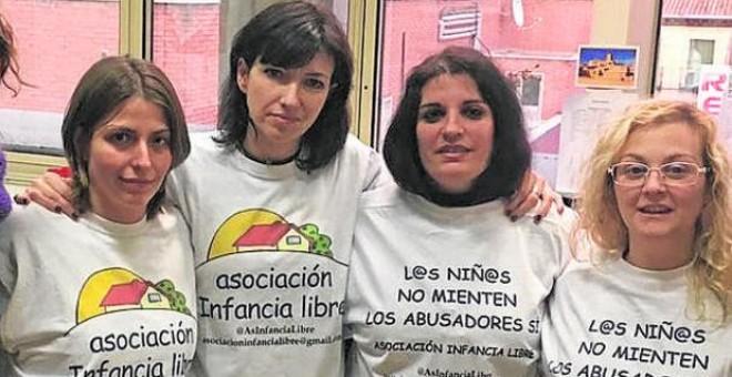 Integrantes de Infancia Libre.