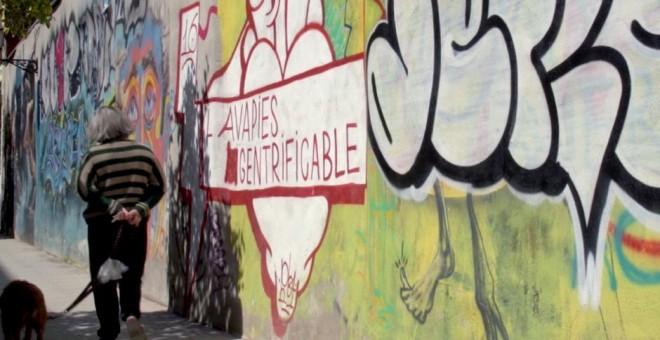 El barrio madrileño de Lavapiés, en el documental 'Compramos tu barrio'.