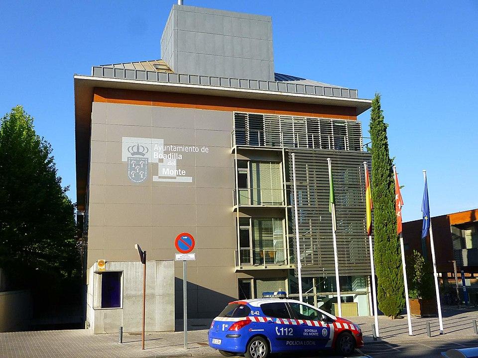 Edificio del Ayuntamiento de Boadilla del Monte (Madrid)