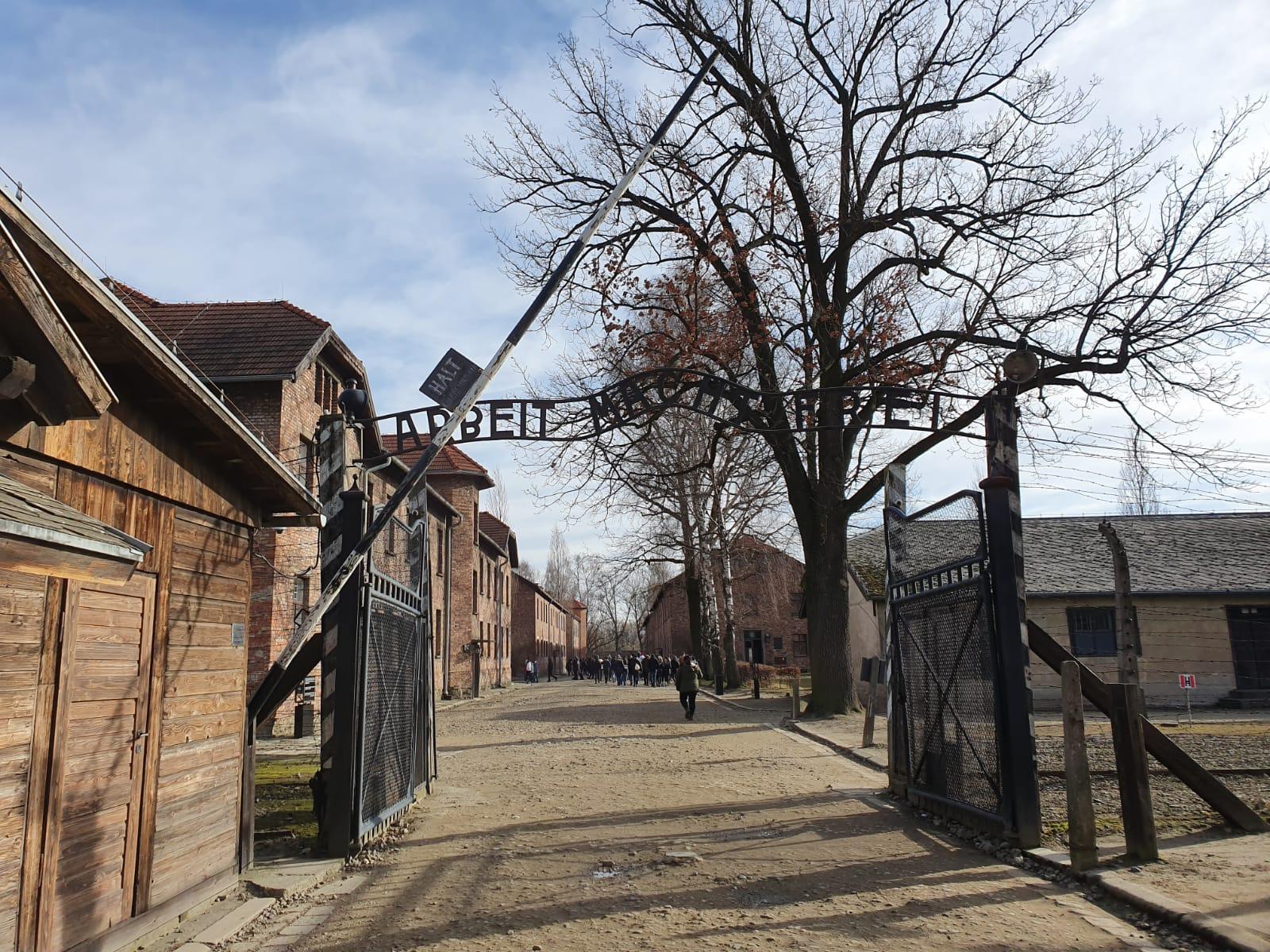 Entrada del campo de concentración de Auschwitz. SERGI TARRÉS
