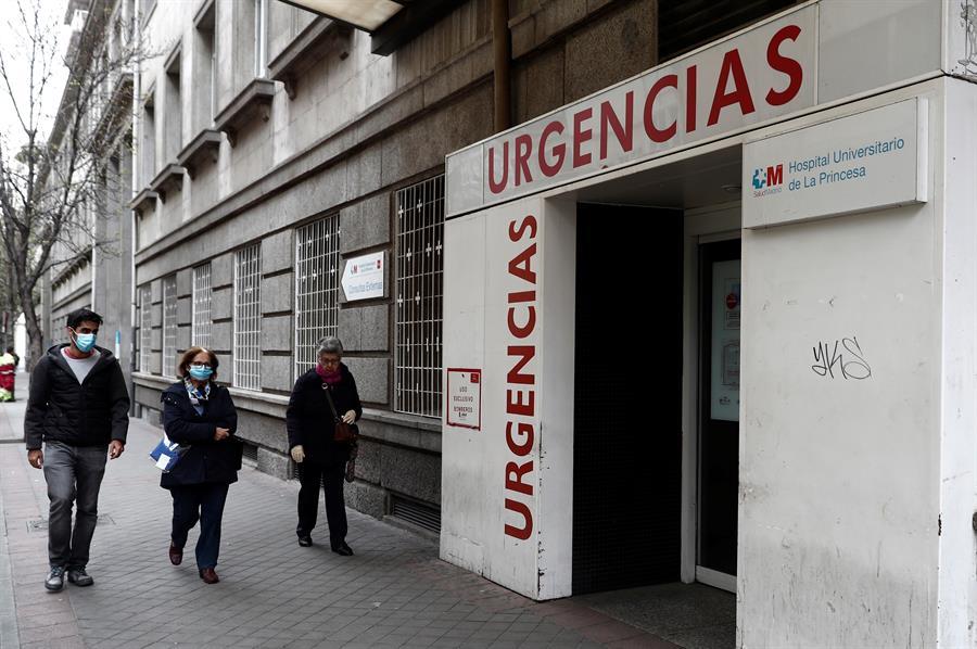 Vista de la entrada a las Urgencias del Hospital Universitario de la Princesa en Madrid. EFE/Mariscal