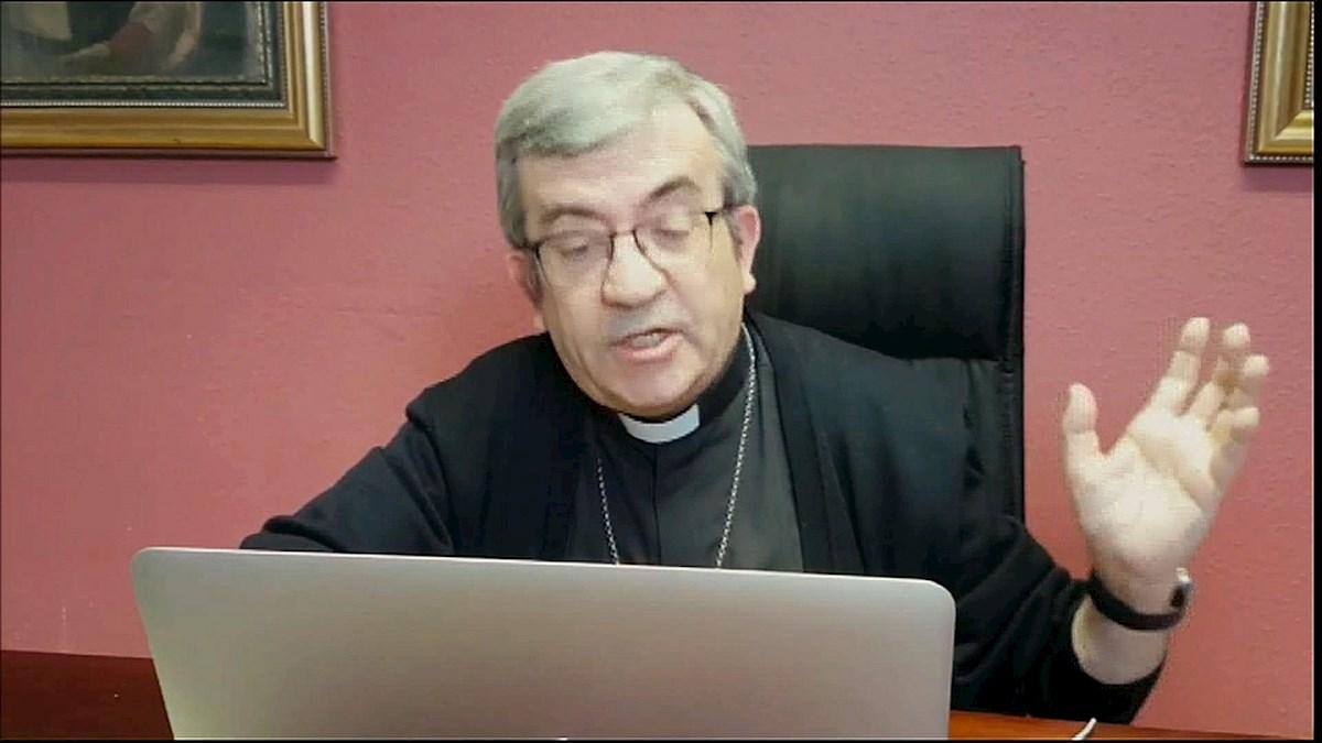 Captura de vídeo del Secretario General de la Conferencia Episcopal Luis Argüello, durante una rueda de prensa en Madrid por videoconferencia. EFE/Conferencia Episcopal