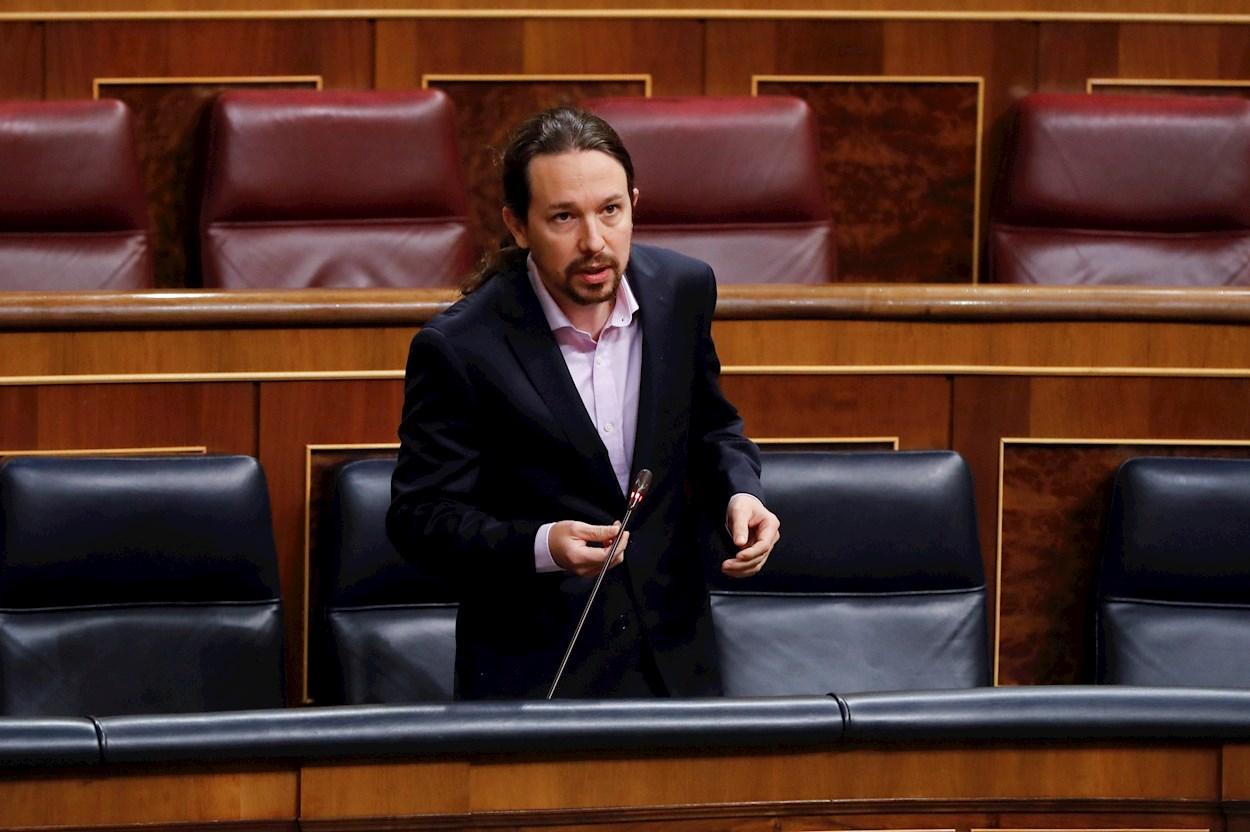 El vicepresidente segundo del Gobierno, Pablo Iglesias, interviene en la primera sesión de control al Ejecutivo celebrada en el Congreso desde que se declaró el estado de alarma. EFE/Ballesteros