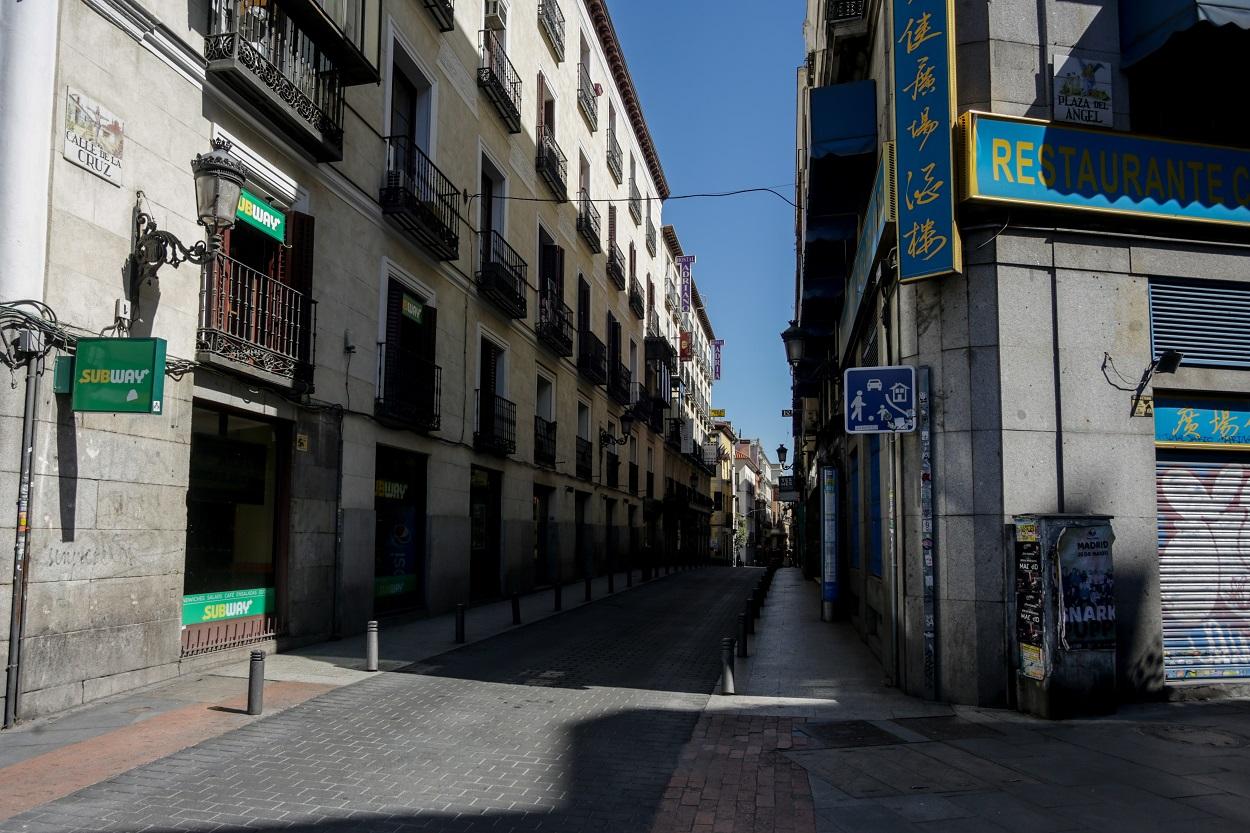 Vista de la madrileña calle de la Cruz, en el centro de la capital. E.P./Ricardo Rubio