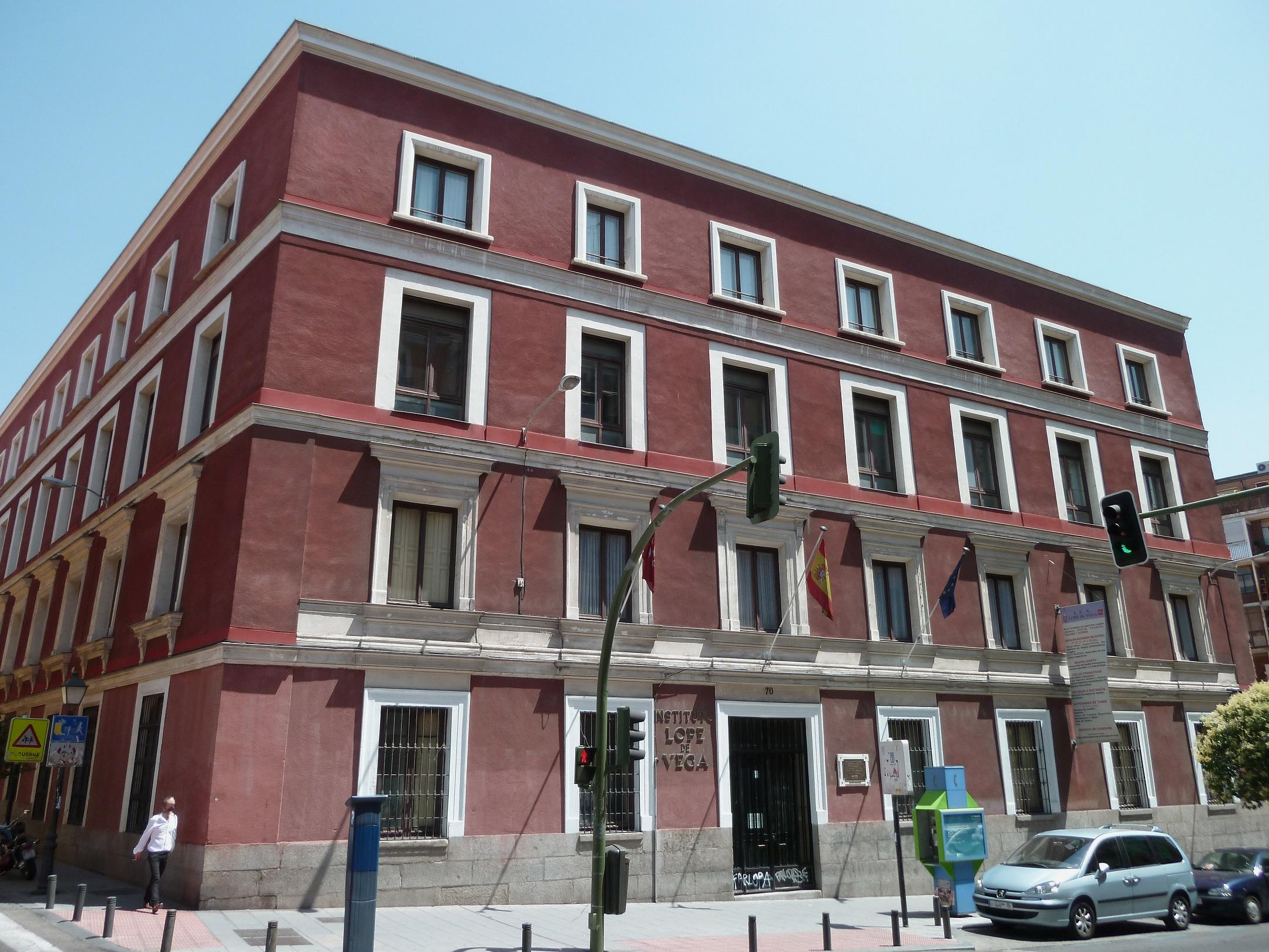 Fachada del IES Lope de Vega de Madrid.
