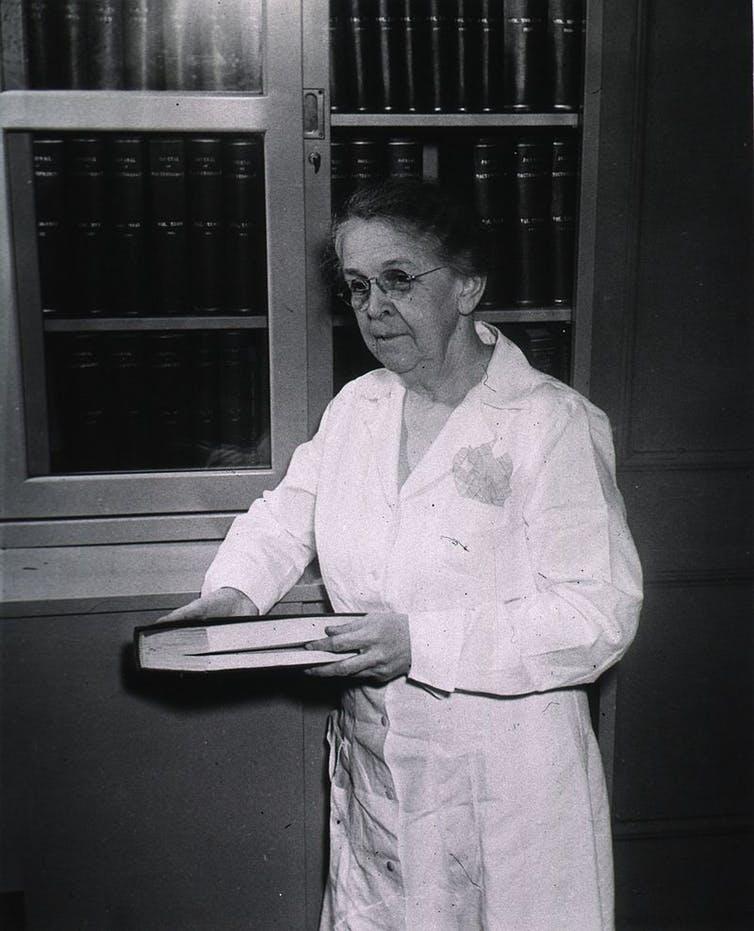 Alice Catherine Evans (1945). Wikimedia Commons