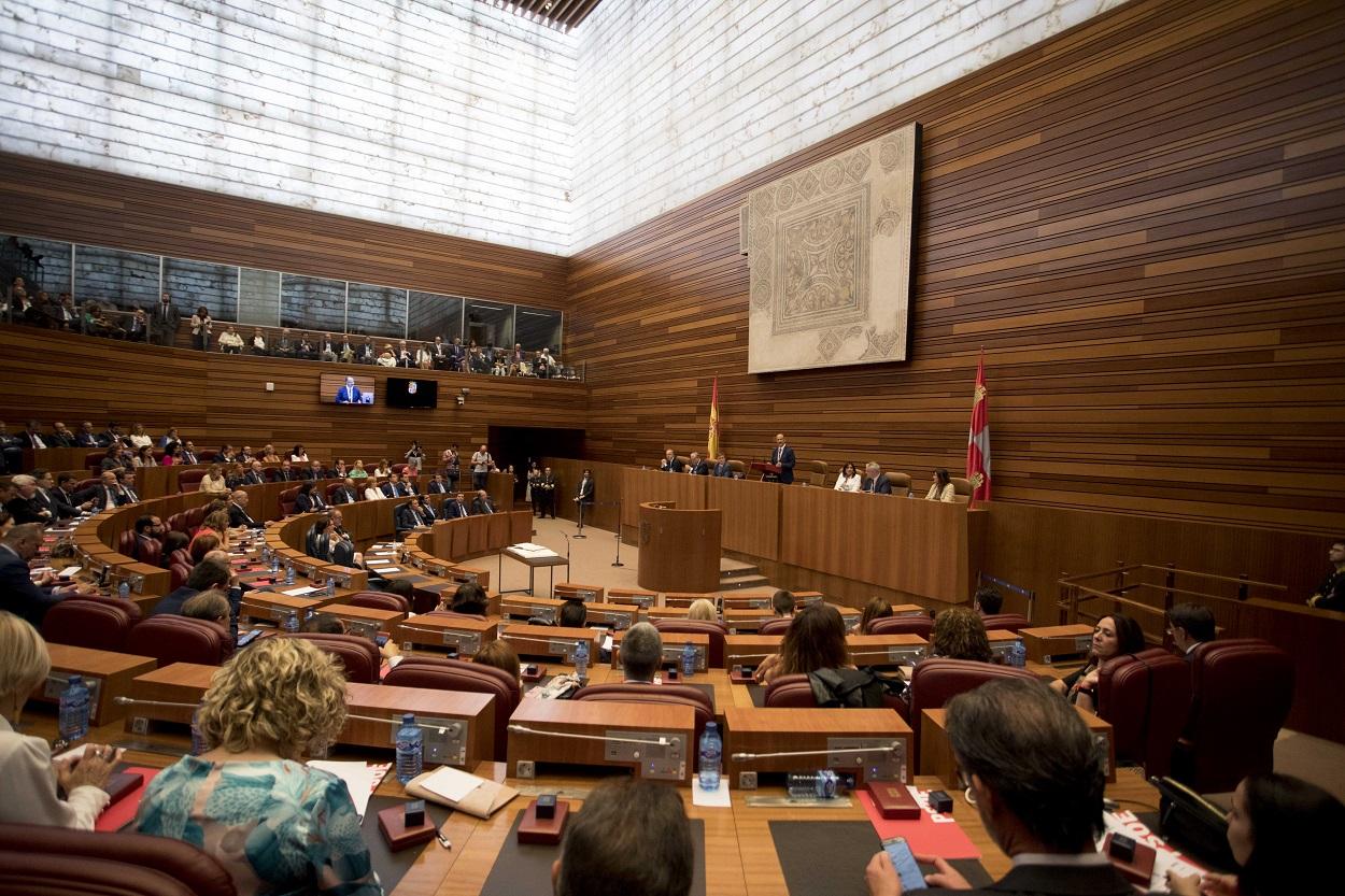 Vista general del parlamento regional de Castilla y León durante la sesión de constitución de Las Cortes de la X legislatura. E.P.