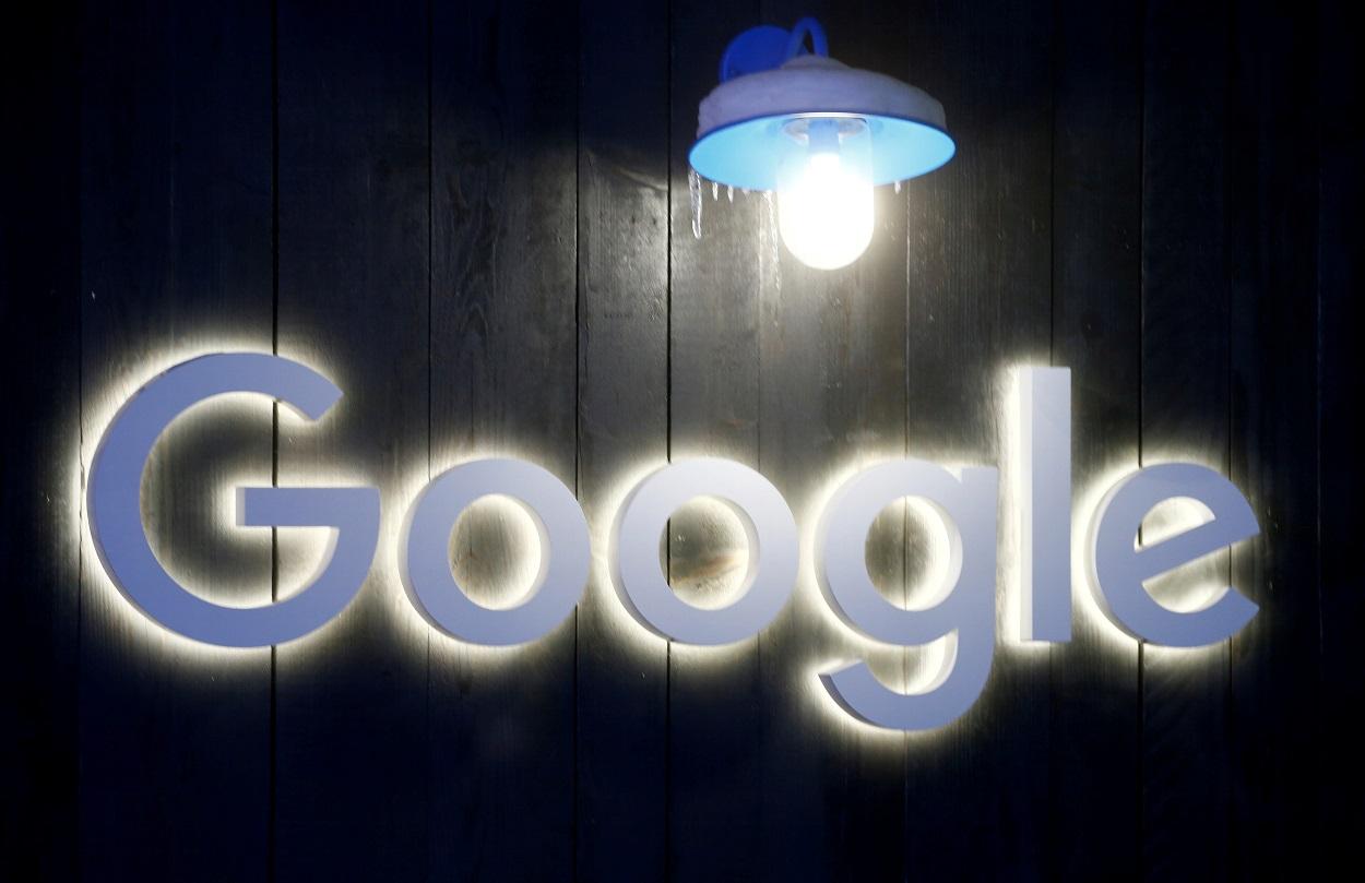 El logo de Google, en Davos (Suiza). REUTERS/Arnd Wiegmann