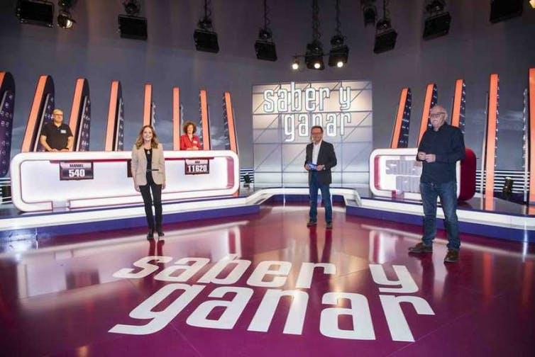 En su nueva etapa, en el programa de RTVE Saber y ganar solo concursan dos personas simultáneamente. RTVE