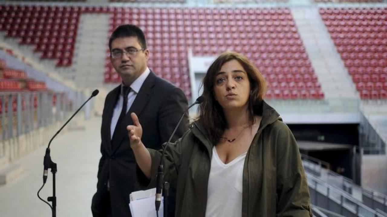 Foto de archivo de los entonces concejales Carlos Sánchez Mato y Celia Mayer, en una visita a la Caja Mágica, de Madrid. EFE