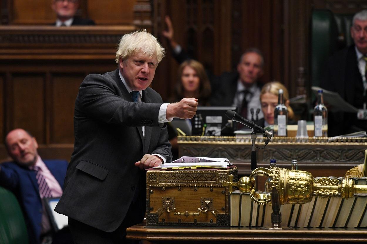 El primer ministro británico Boris Johnson, en el Parlamento. REUTERS