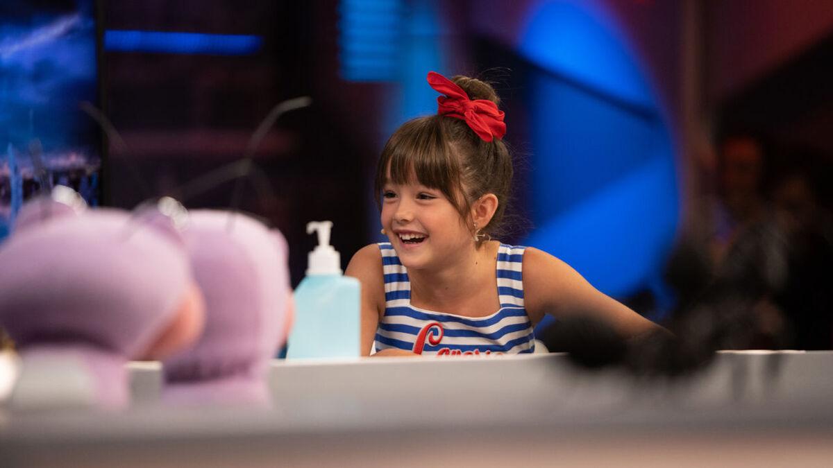 La niña acriz Luna Fulgencio en el programa 'El Hormiguero'.