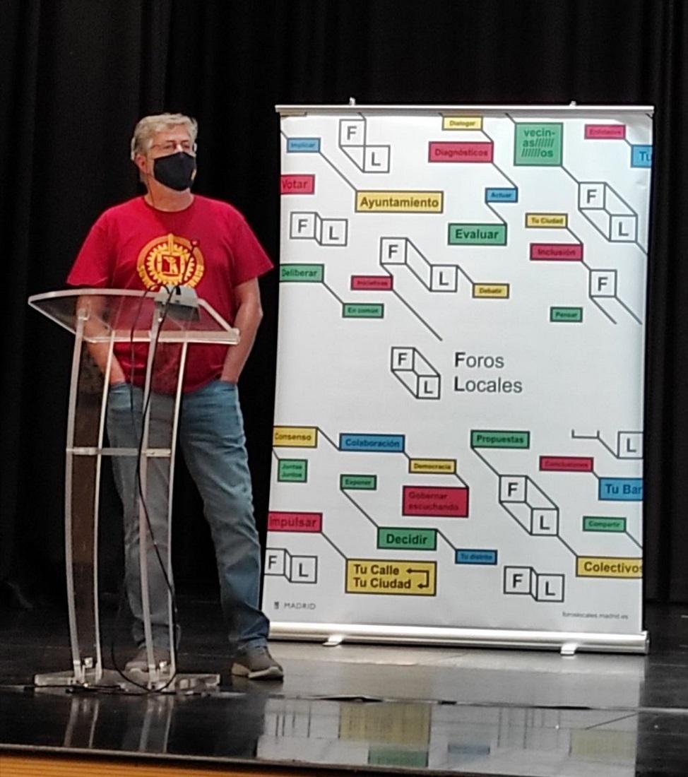 Luis S. Fernández, durante su intervención en el último plenario de Foros Locales del distrito de Latina (Madrid). CEDIDA