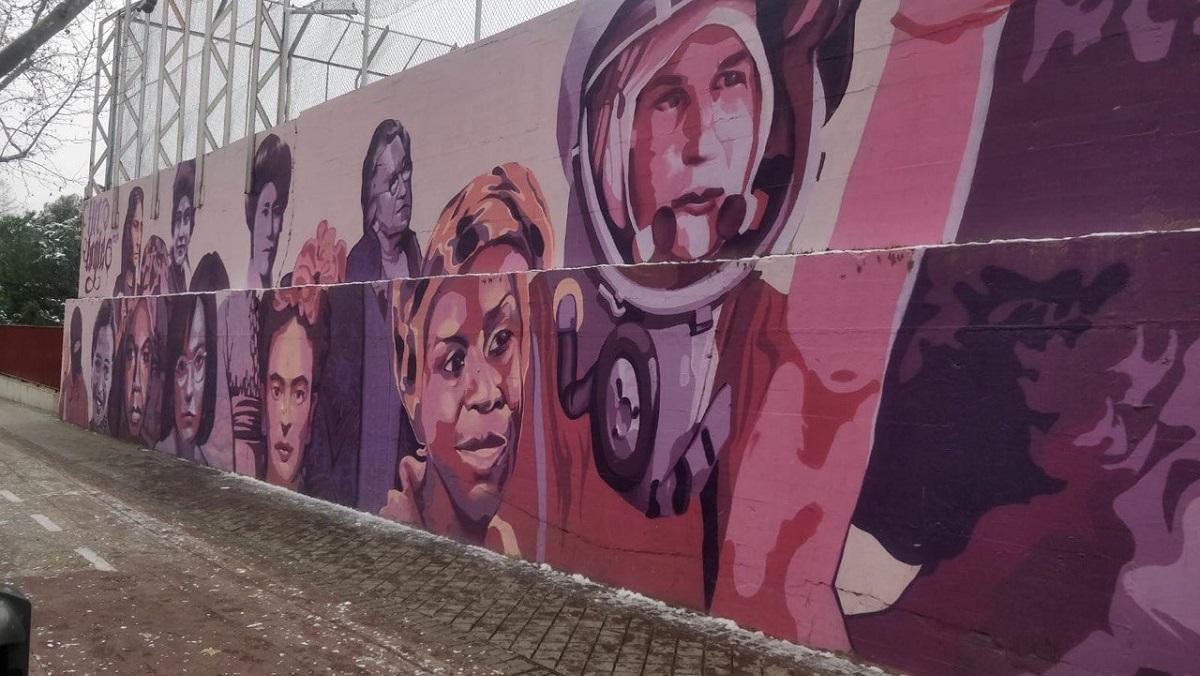 Mural feminista en el barrio de La Concepción de Madrid. — UNLOGIC