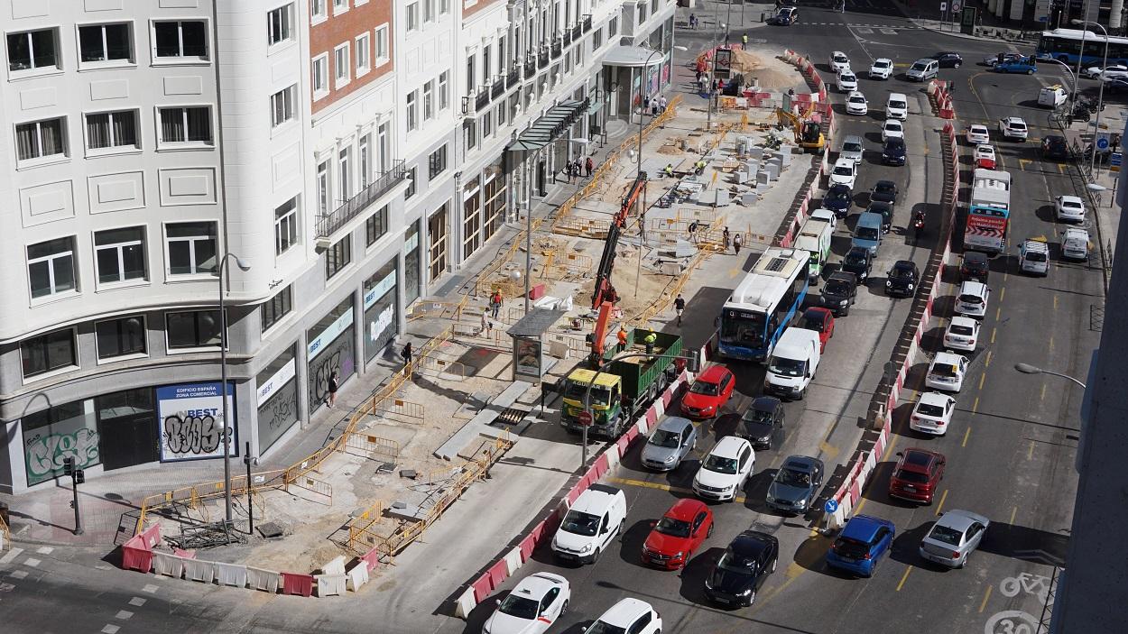 Aspecto de una lateral de la Plaza de España de Madrid en septiembre de 2020. Shutterstock / Fotoadicta