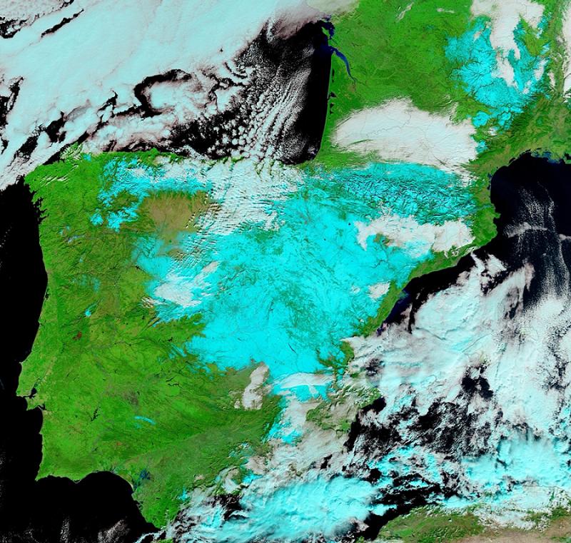 Imagen de satélite del 11 de enero que muestra la cubierta de nieve dejada por la borrasca Filomena en la Península. NASA Earth Observatory